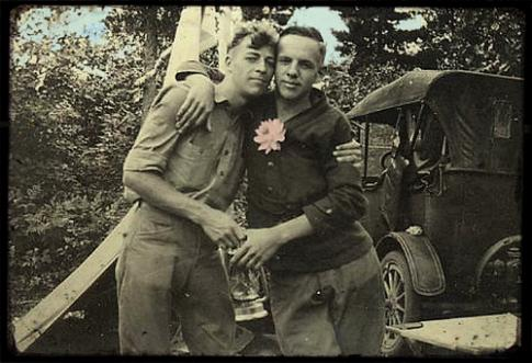 vintage_gay_couple1238620372