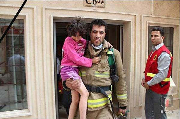 (Watch) Iranian Firefighter Saves 9 year Old Girls Life From An Aparment Fire, Dies Shortly After, Then Saves Four Others WIth His Donated Organs