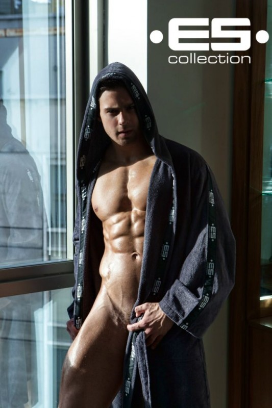 Kirill-Dowidoff-Hot-EsCollection-Burbujas-De-Deseo-03-533x800