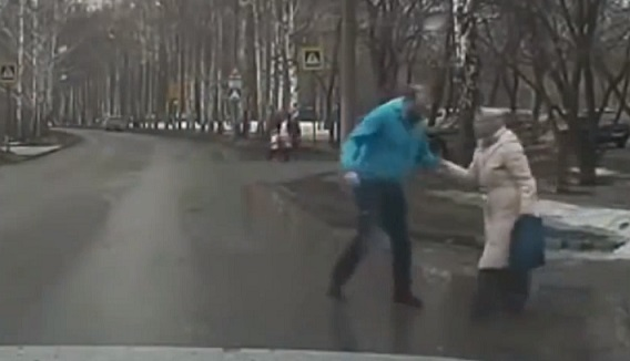 (Watch) Viral: Inspiring Acts of Human Kindness as Captured by Russian Dash Cams