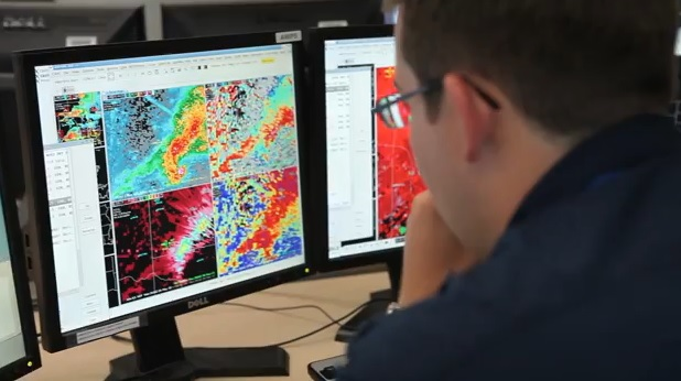 (Watch) Behind The Scenes Footage Of National Weather Service Forecasters Who Issued a 16 Minute Advanced Warning That Saved Countless Lives In Moore, Oklahoma