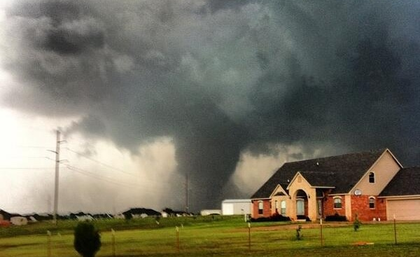 (Watch) Catastrophic Mile Wide Tornado Levels The City Of Moore, Oklahoma, South of Oklahoma City and Killed at Least 51 People