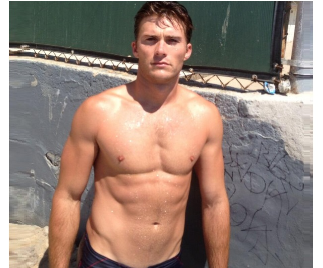 Gaily Stud: Clint Eastwood's Son, Scott Eastwood, Is Hot!