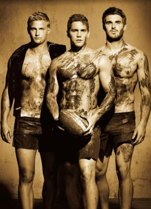 Dieux Du Stade 2014 calendar features rugby players and