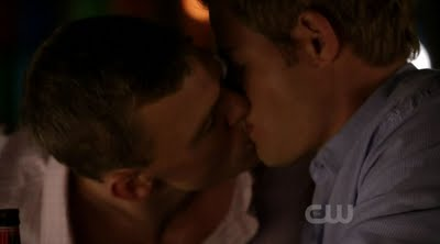 Male Sight of Alan Ritchson Kisses Trevor Donovan on 90210 6