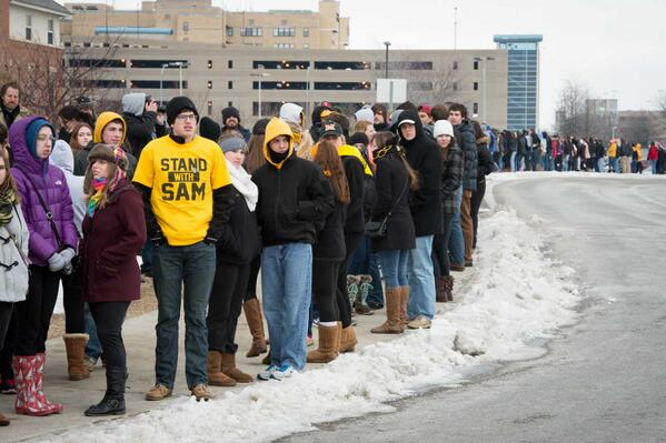 Watch: Hundreds Of Mizzou Students Stand Up For Michael Sam Blocking Westboro Hate Protest