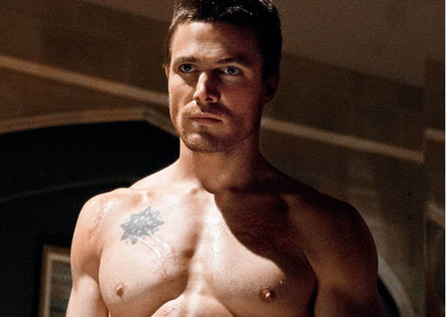 "'Arrow' Hunk Slams Russia For Being Homophobic And Living In The ""Stone Age"""