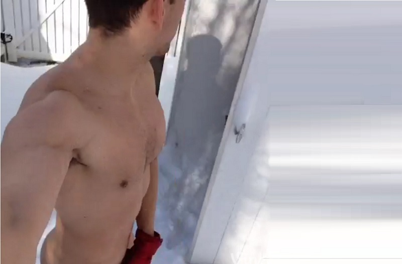Vine: New Yorker Stud Braves Snow And Freezing Temperatures In His Birthday Suit [NSFW]