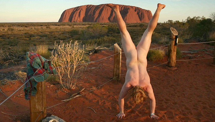 Naked Handstander Spices Up Boring Tourist Photos Around The Globe