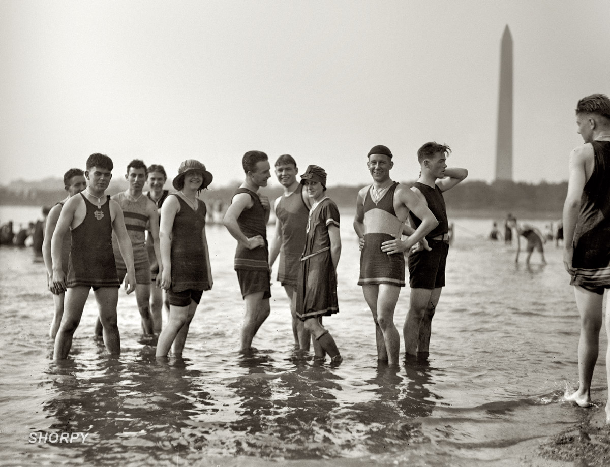 men-and-women-in-bathing-suits1
